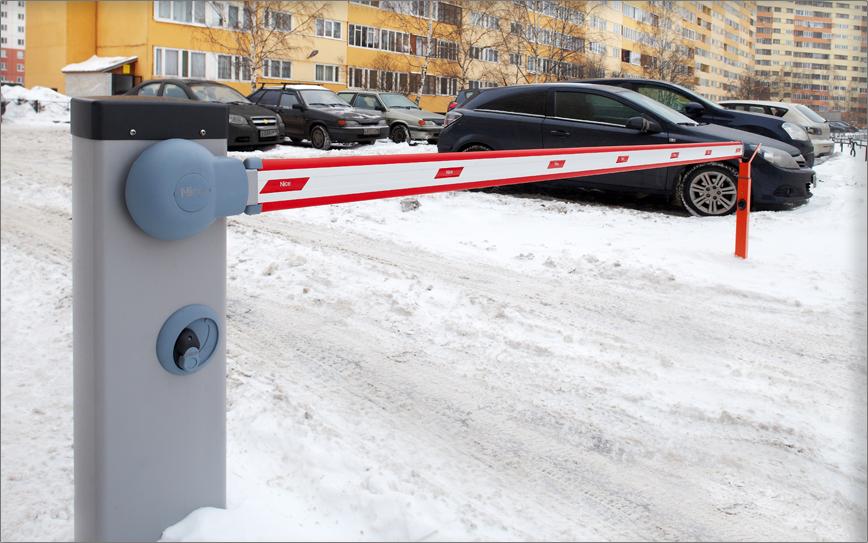 Стоимость автоматических ворот во дворе