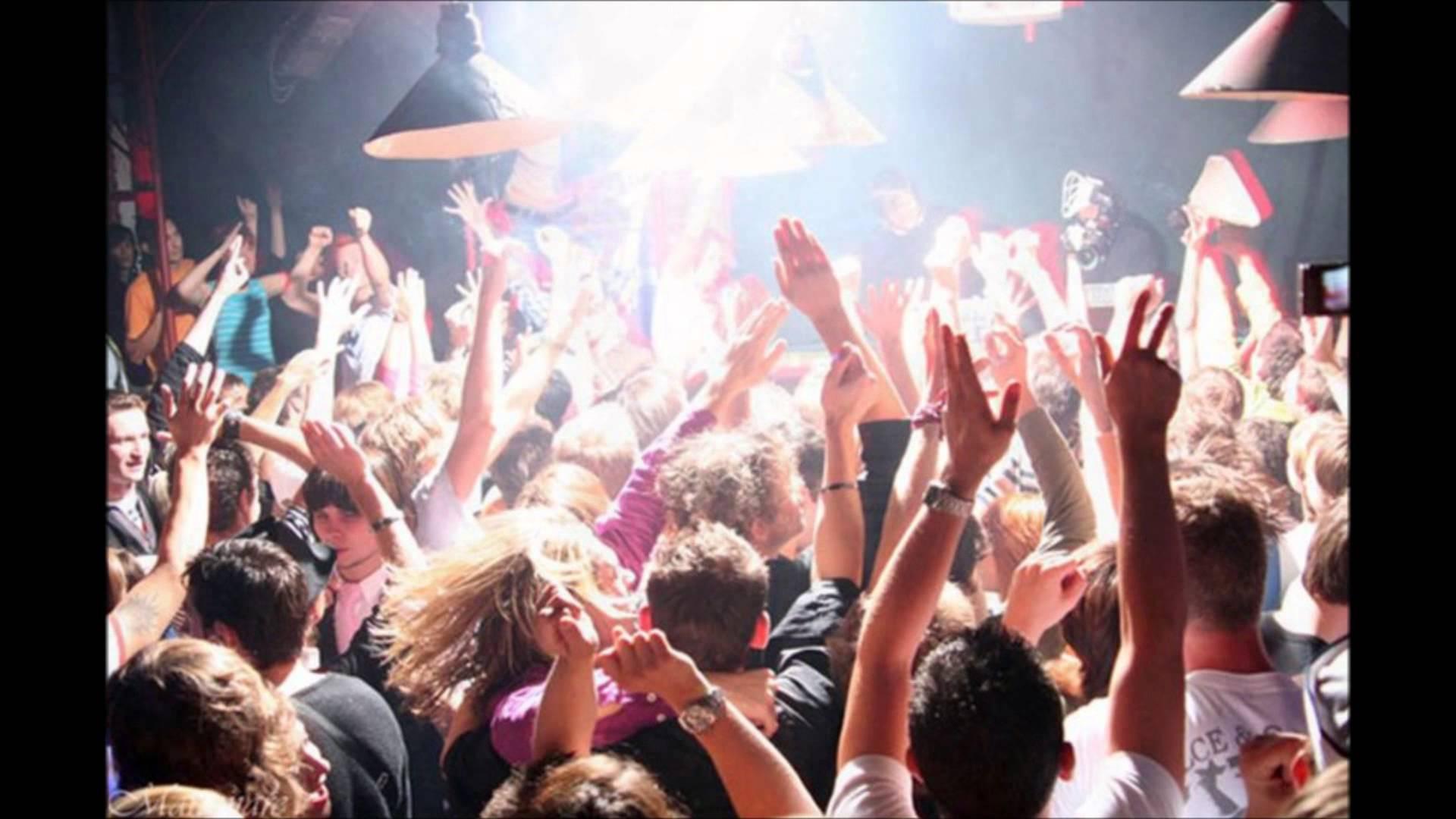 Студенты на вечеринке 2 фотография