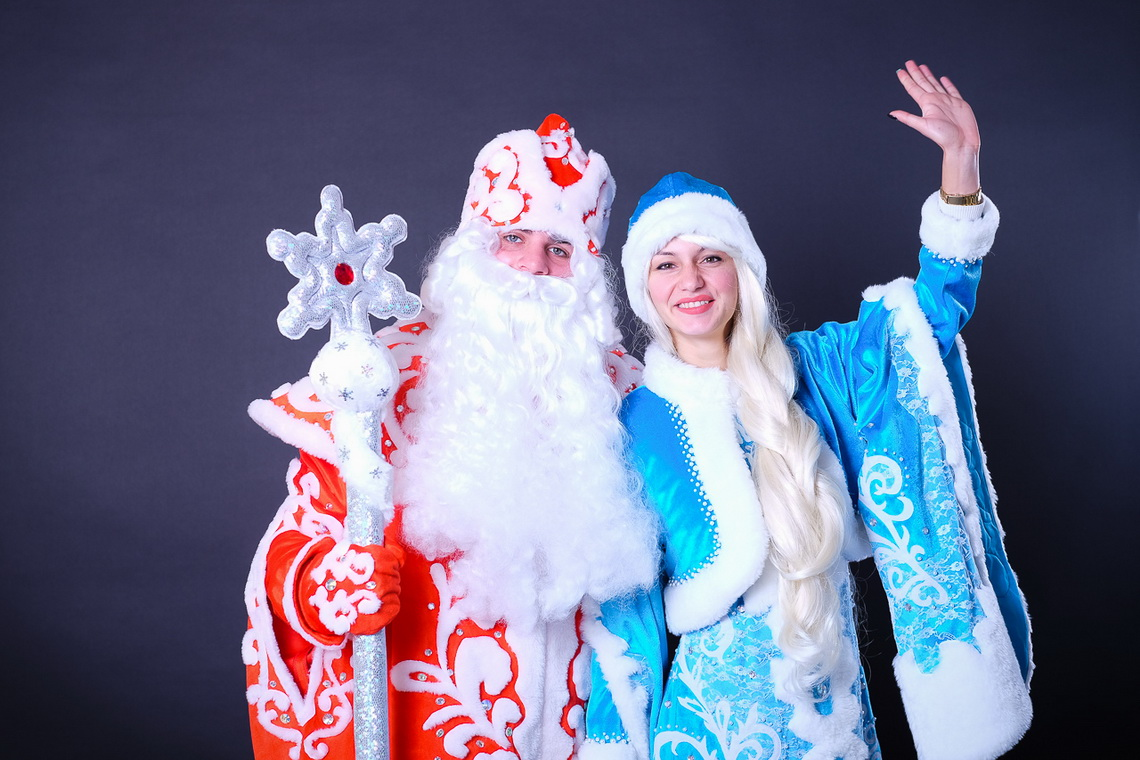 Картинки деда мороза и снегурочки на новый год, скопировать надпись