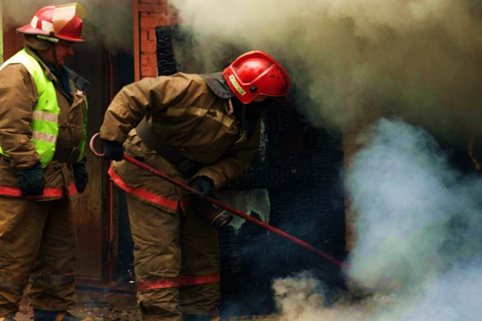 Невідомі вчинили пожежу у підвалі житлового будинку по вулиці Мазепи