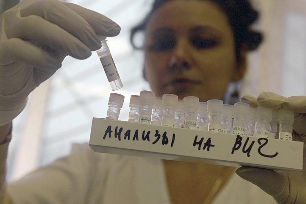 Еврейская область лидирует по ВИЧ-инфекции, но лекарства не закупает