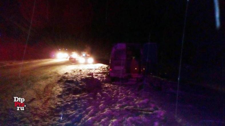 Пассажирка микроавтобуса погибла натрассе вКарелии