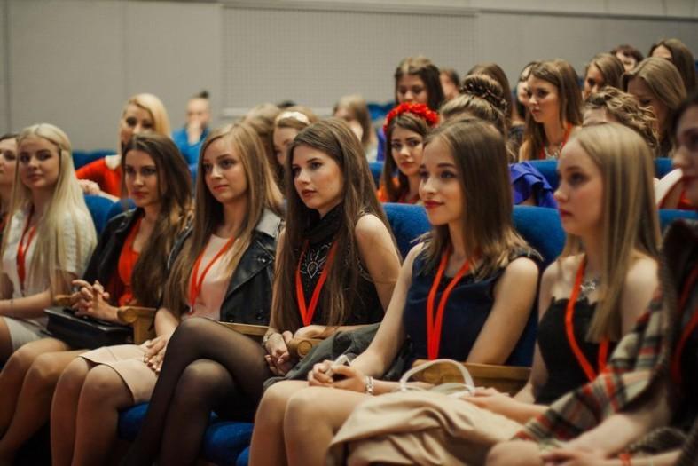 фото студенток розвлекающихся в россии