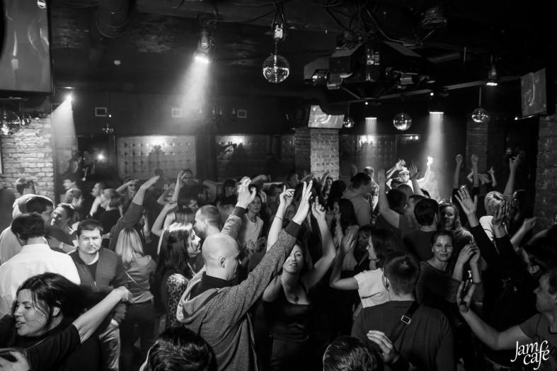 Работают ли ночные клубы в петрозаводске фото девушки ночного клуба