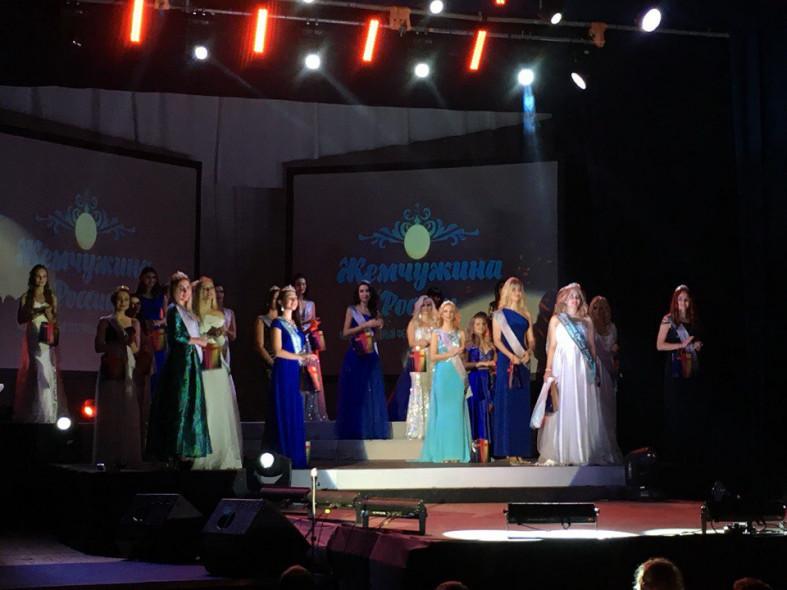 Девушек изСевастополя иКрыма подчеркнули наградами в русском конкурсе красоты