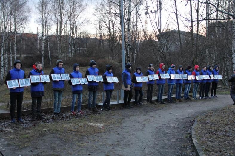 Фото: Павших в Чечне карельских солдат помянули в Петрозаводске  Фото: Павших в Чечне карельских солдат помянули в Петрозаводске