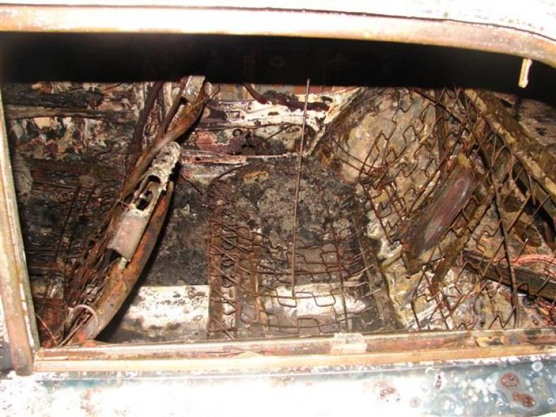 Автомобиль жителя Карелии выгорел дотла  Автомобиль жителя Карелии выгорел дотла  Автомобиль жителя Карелии выгорел дотла  Автомобиль жителя Карелии выгорел дотла