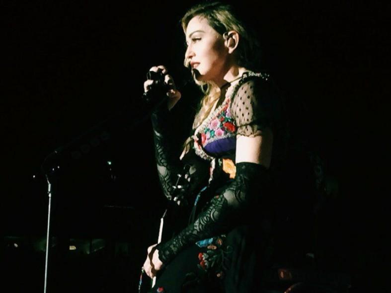 Певица Мадонна позволила жителюКарелии поцеловать ей руку: фото и видео  Певица Мадонна позволила жителюКарелии поцеловать ей руку: фото и видео  Певица Мадонна позволила жителюКарелии поцеловать ей руку: фото и видео  Певица Мадонна позволила жителюКарелии поцеловать ей руку: фото и видео  Певица Мадонна позволила жителюКарелии поцеловать ей руку: фото и видео  Певица Мадонна позволила жителюКарелии поцеловать ей руку: фото и видео  Певица Мадонна позволила жителюКарелии поцеловать ей руку: фото и видео