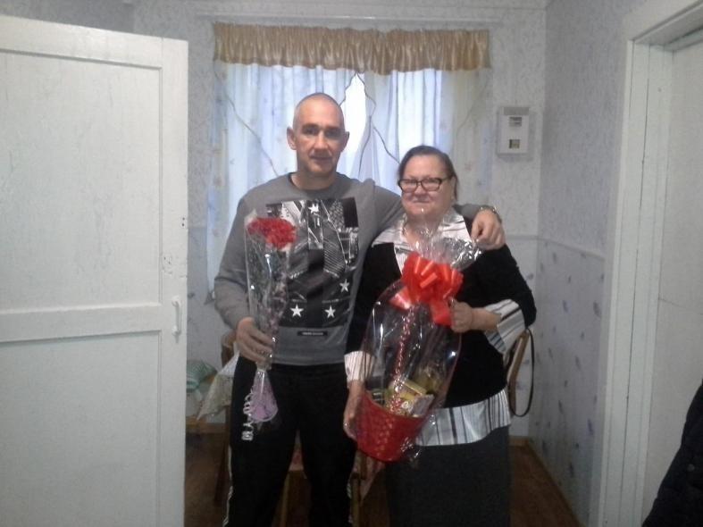 Мама погибшего в Чечне героя живет не в доме, а в сарае  Мама погибшего в Чечне героя живет не в доме, а в сарае