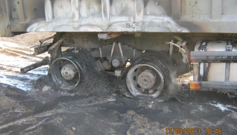 Автомобиль попал под напряжение