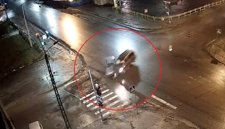 Стали известны новые подробности жесткого столкновения на улице Красной (видео)