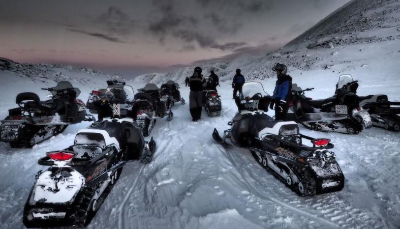 Из-под лавины вМурманской области спасён один турист