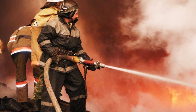 Ночной пожар уничтожил в Карелии жилой дом