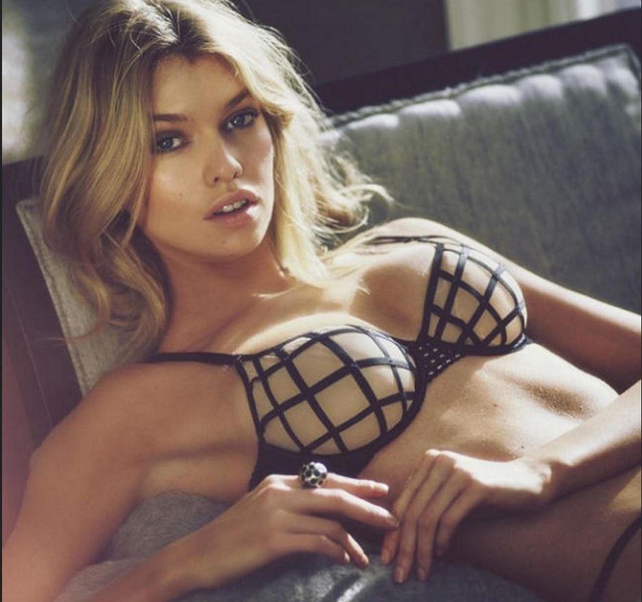 Русских самая сексуальная девушка без одежды кино про