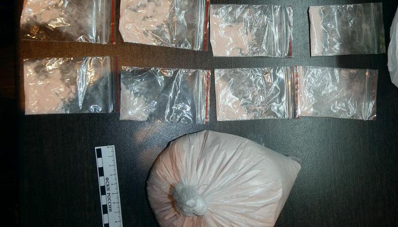 Двоим мужчинам грозит пожизненный срок за торговлю наркотиками в Карелии
