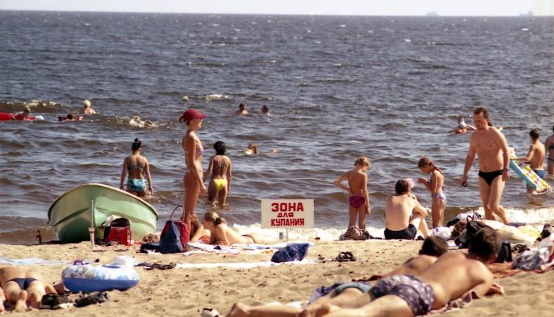 Взял силой на пляже фото 643-44