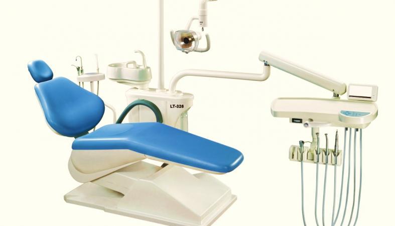 В Карелии охотник за металлом украл стоматологическое кресло