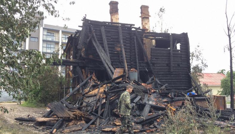 Кошмарный пожар произошел предыдущей ночью вПетрозаводске