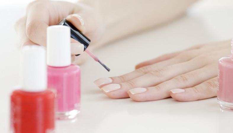 Женщины могут лишиться ногтей из-за геля-лака