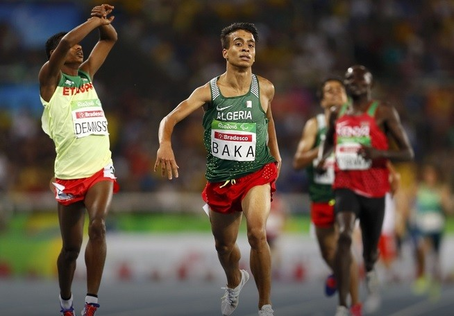 Четверо паралимпийцев пробежали заключительный забег на1500 метров скорее олимпийского чемпиона Рио