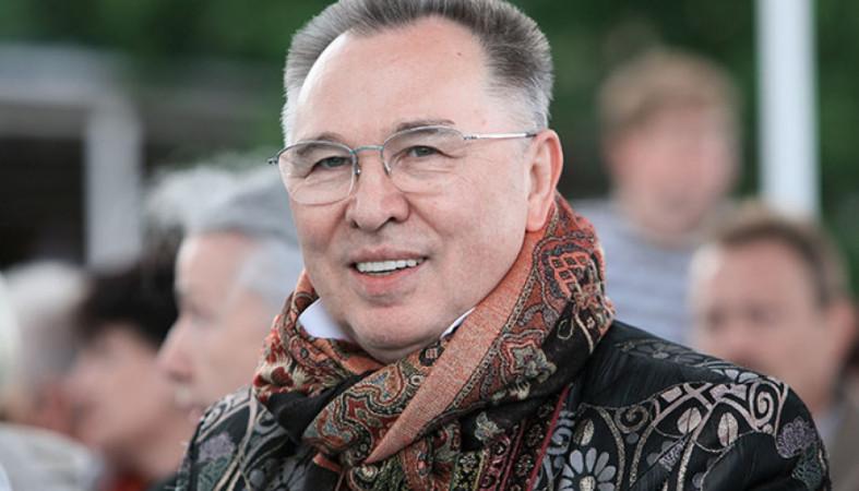 Легендарный модельер Зайцев попал вмосковскую клинику