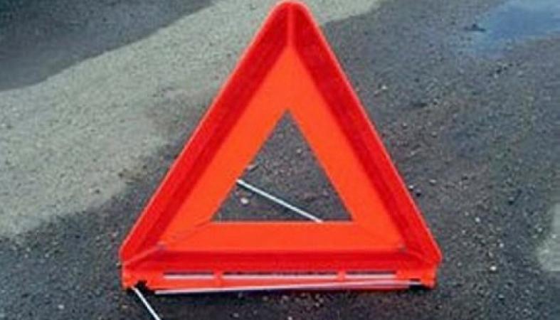 Лишенный прав водитель сбил девушку в Петрозаводске и скрылся