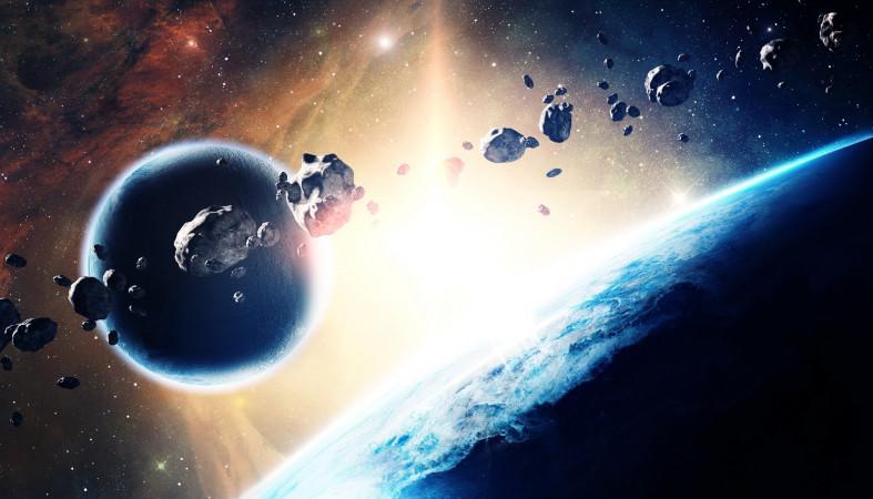 Огромный астероид набешеной скорости несётся кЗемле