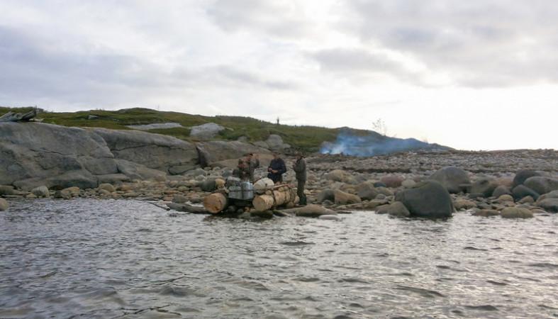 Трое рыбаков смогли выжить нанеобитаемом острове вБелом море