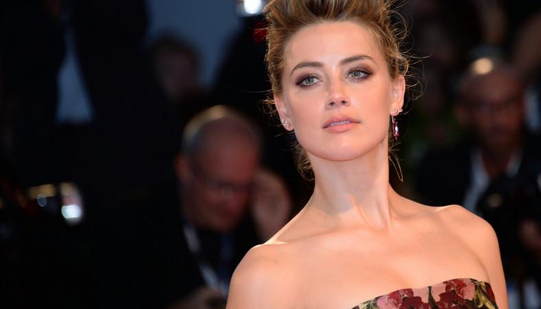 Пользующуюся популярностью голливудскую актрису госпитализировали прямо сосцены