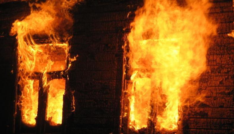 Двое мужчин сгорели напожаре вПудоже