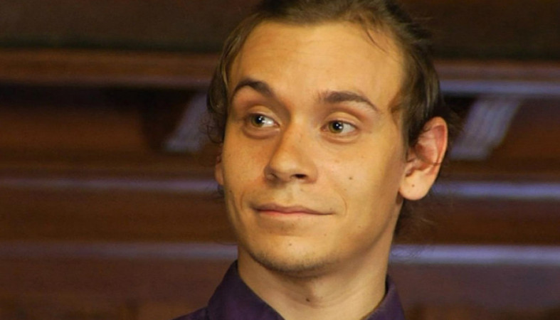 Участник «Битвы экстрасенсов» арестован затри пары штанов