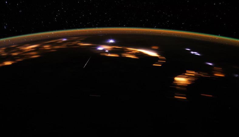 Метеорный поток Лириды: когда наблюдать звездопад всередине весны  2018г