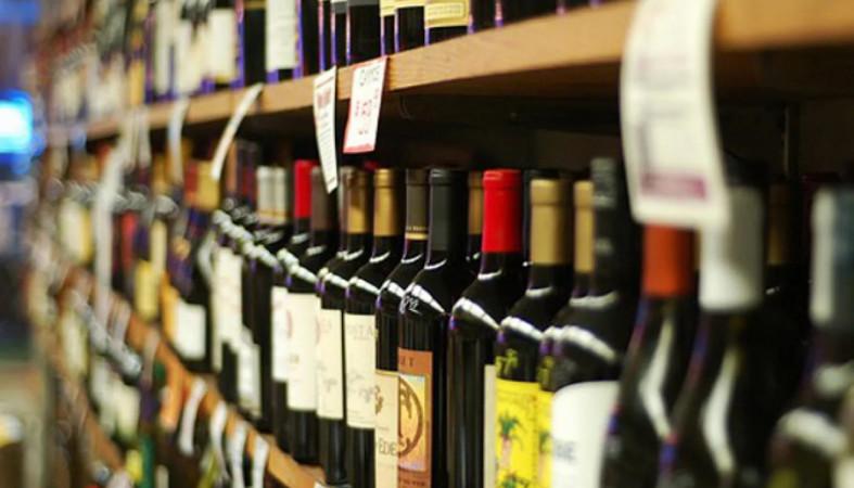 В РФ могут уменьшить число магазинов с спиртом итабаком