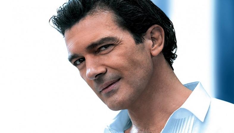 Антонио Бандераса госпитализировали в клинику сболью вгруди