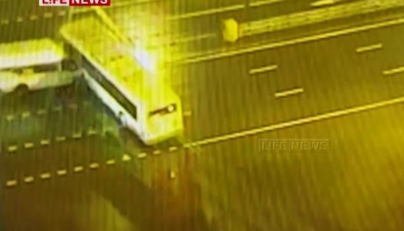 Наюго-западе столицы  автобус столкнулся смаршруткой, есть пострадавшие