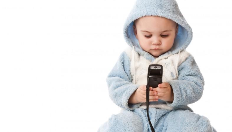 Глава Роскомнадзора заявил о необходимости появления детских SIM-карт