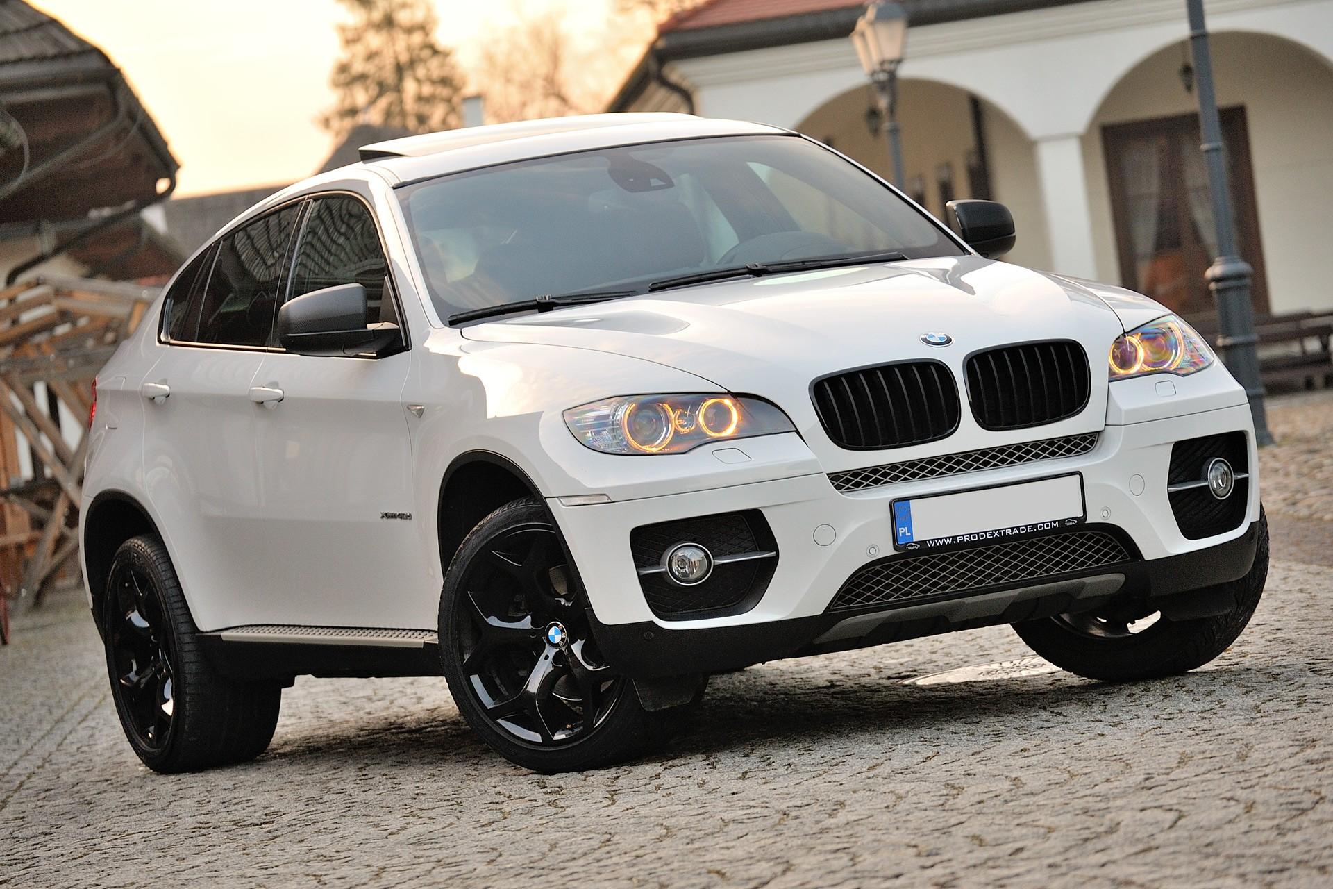 Олимпийцы начали продавать BMW, подаренные Дмитрием Медведевым