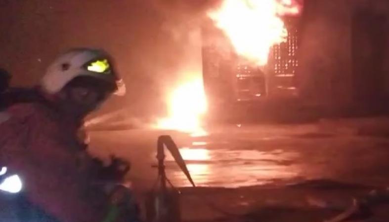 Очевидцы рассказали и показали, как взорвалась в Петрозаводске трансформаторная будка
