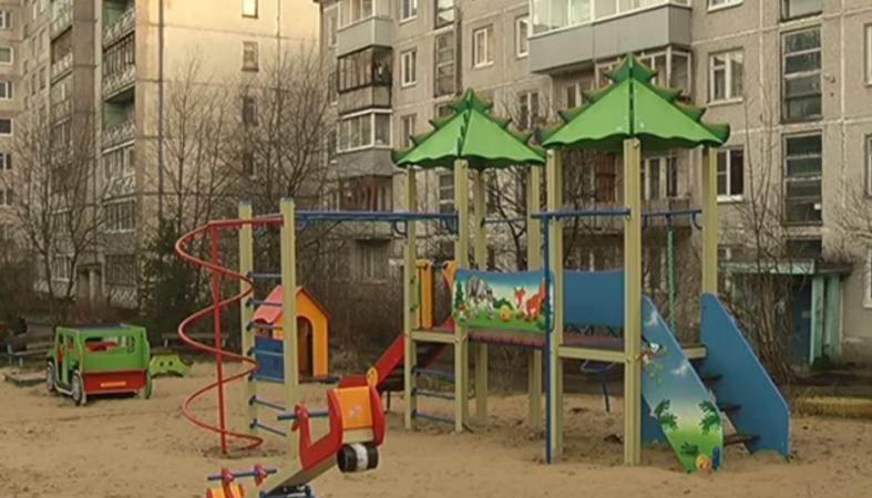 Две новые детские площадки открылись в Петрозаводске (видео)