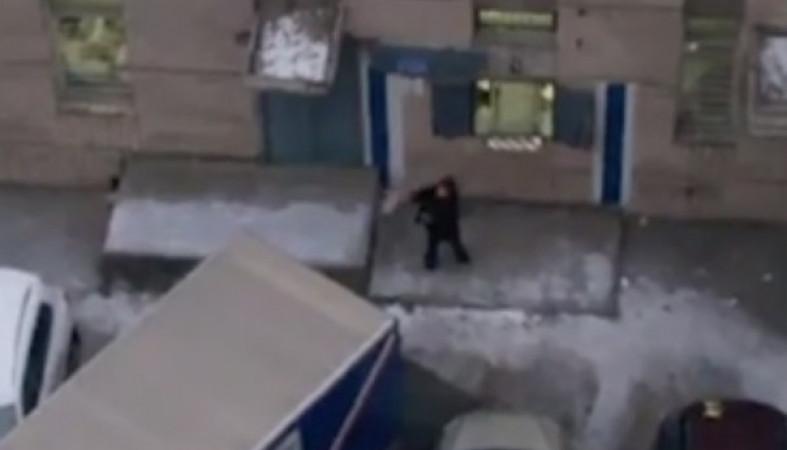 Почта РФ отреагировала наскандальное видео сгрузчиком-почтальном