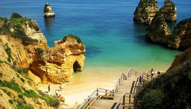 Португалия облегчит получение виз для жителей Российской Федерации
