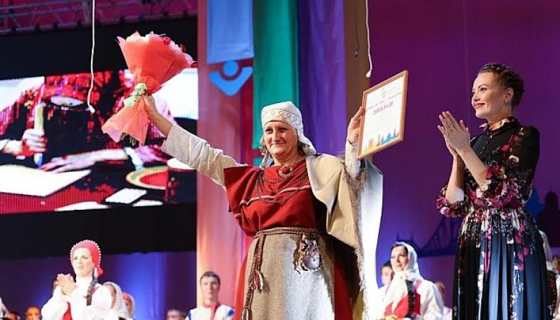 Художник по ткачеству из Карелии получила российскую премию