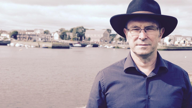 Роман водно предложение получил престижную британскую премию