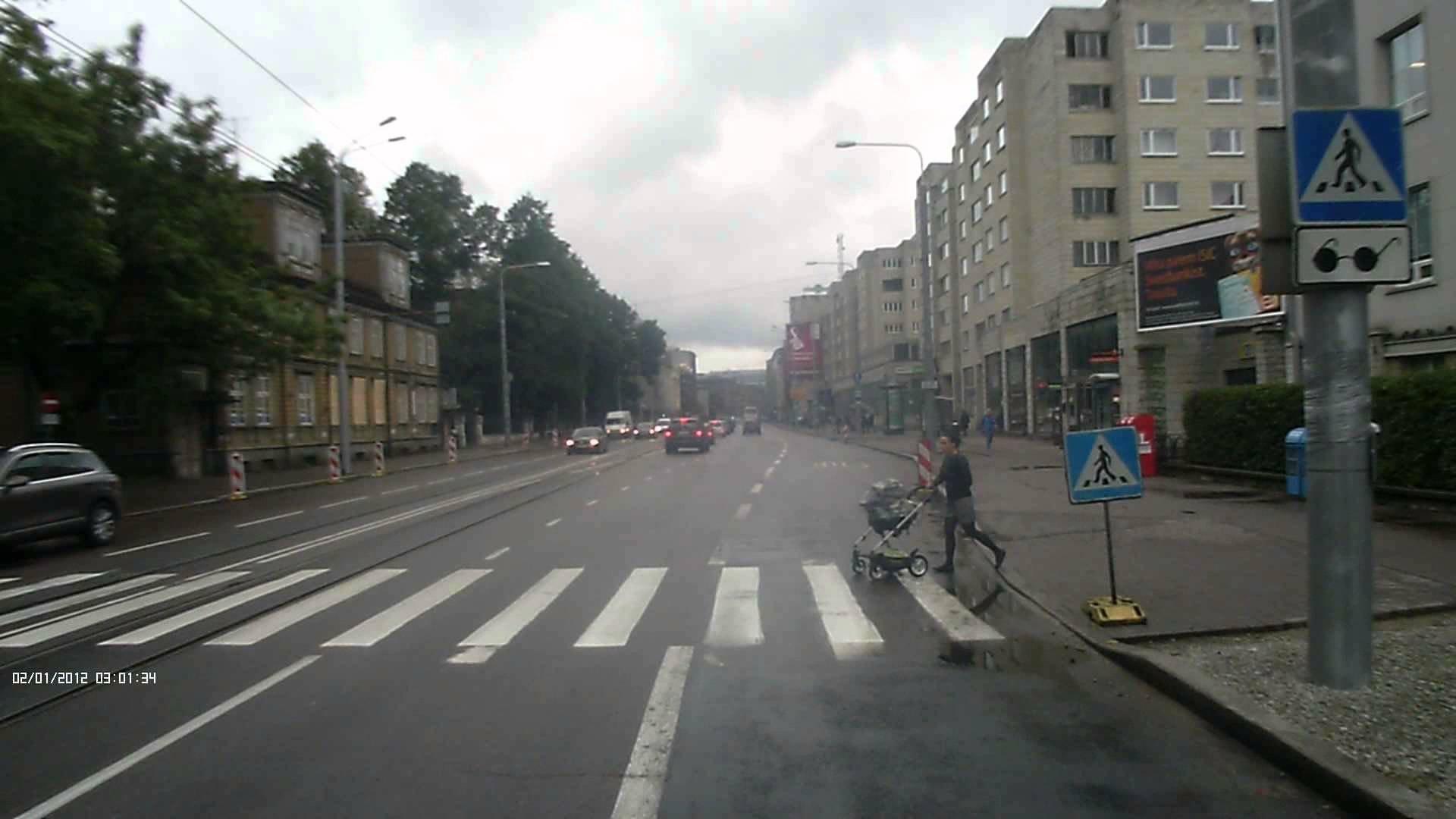 ВПетербурге оставили 5-месячного ребёнка натрамвайных путях