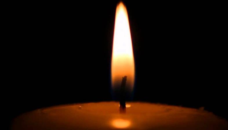 Горящая свеча картинка 3