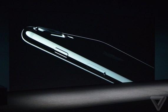 ВСША презентовали iPhone 7 иобъявили одате продаж в РФ