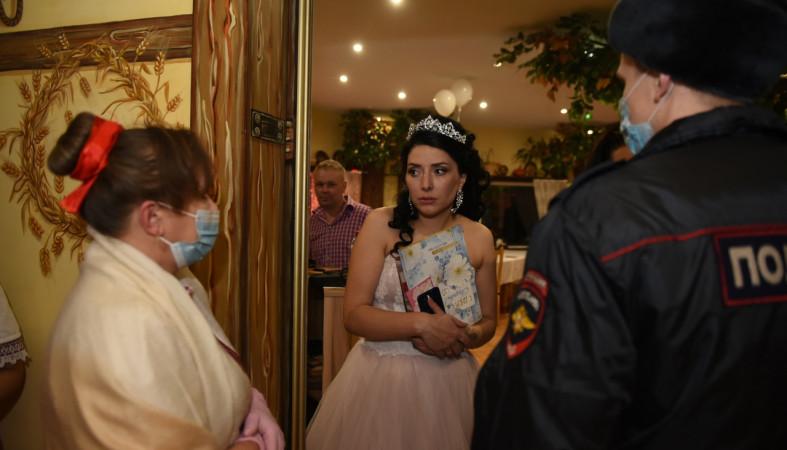 В Петрозаводске прервали празднование свадьбы из-за ковидных нарушений