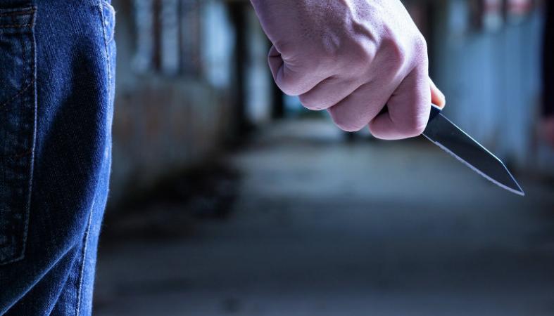 Молодой мужчина пытался убить девушку-администратора в петрозаводской гостинице