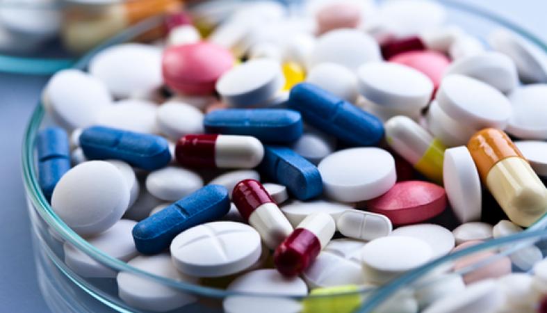 Продажа безрецептурных фармацевтических средств в гипермаркетах ненавредит аптекам— ФАС