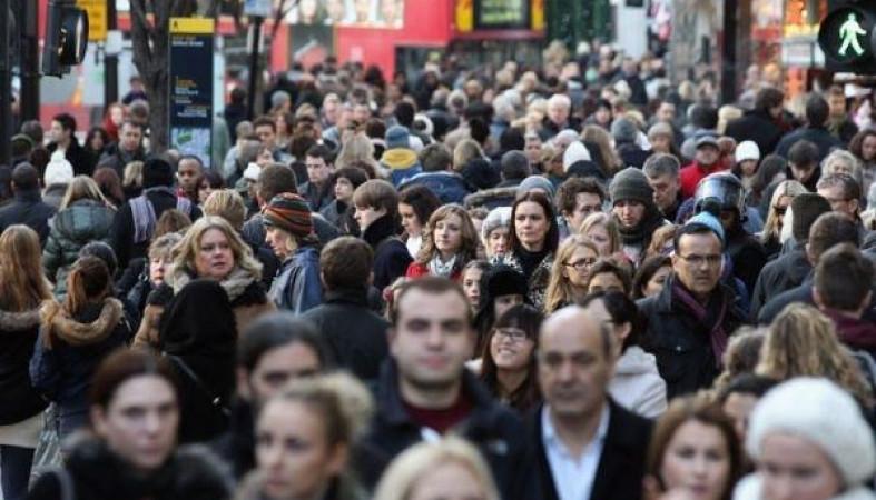 Настоящие доходы граждан России упали впервый раз загод